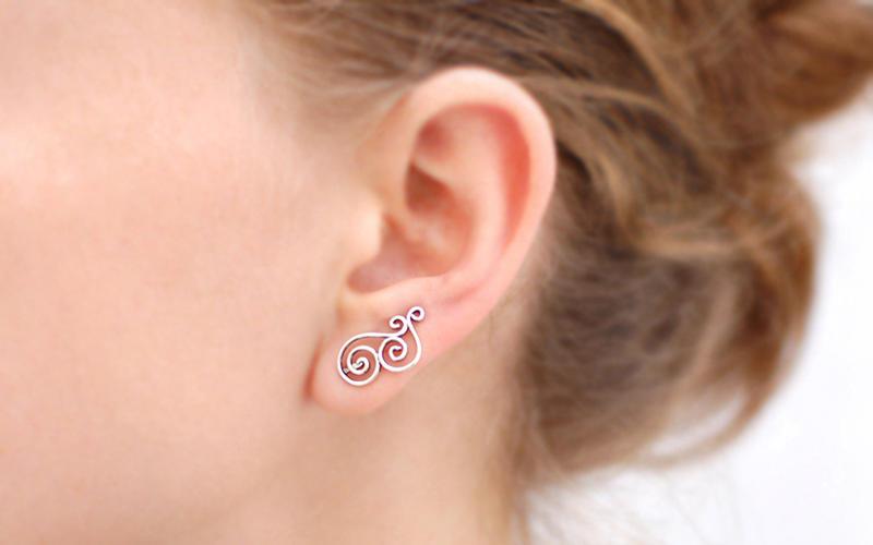 Прокол ушей (с серёжками и анестезией)